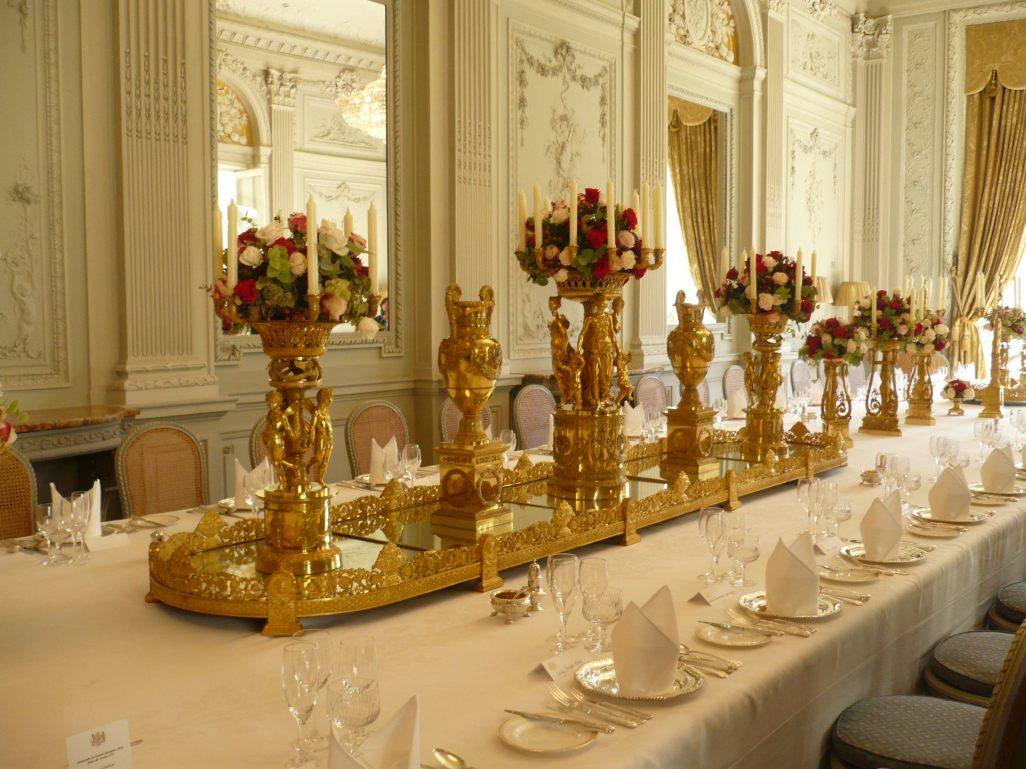 Royal Dining Design