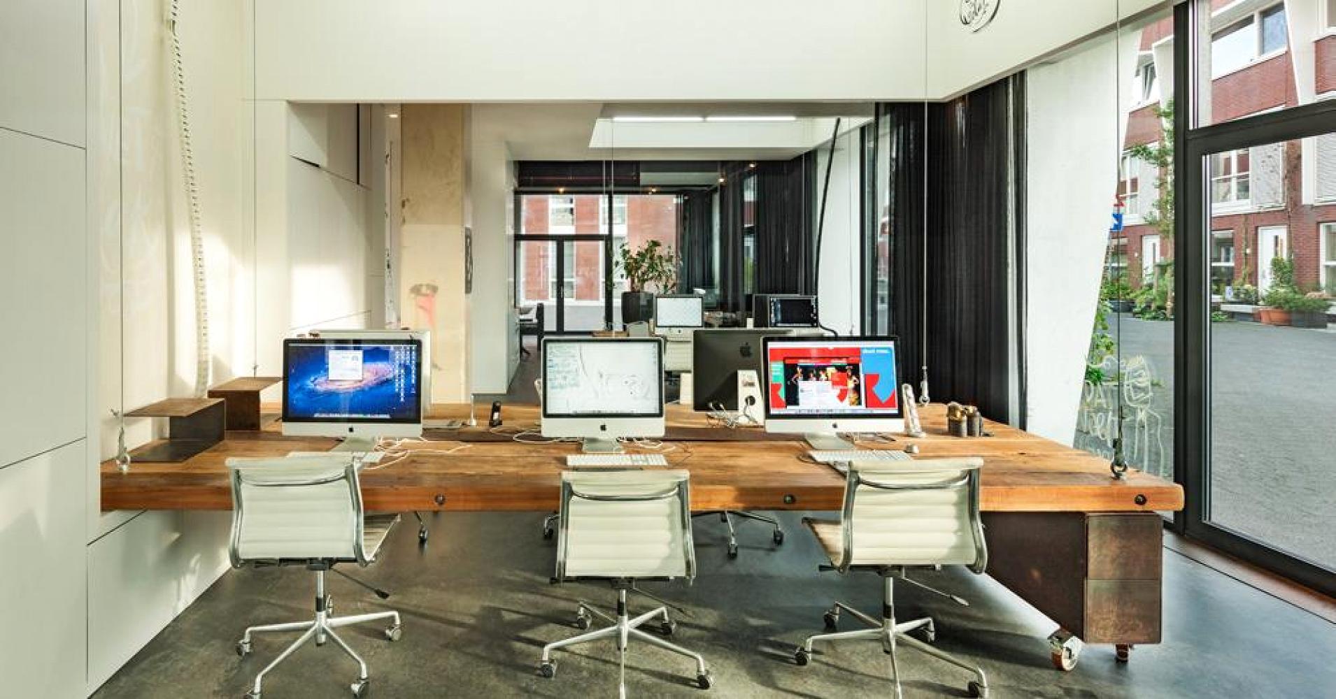 heldergroen escritorio