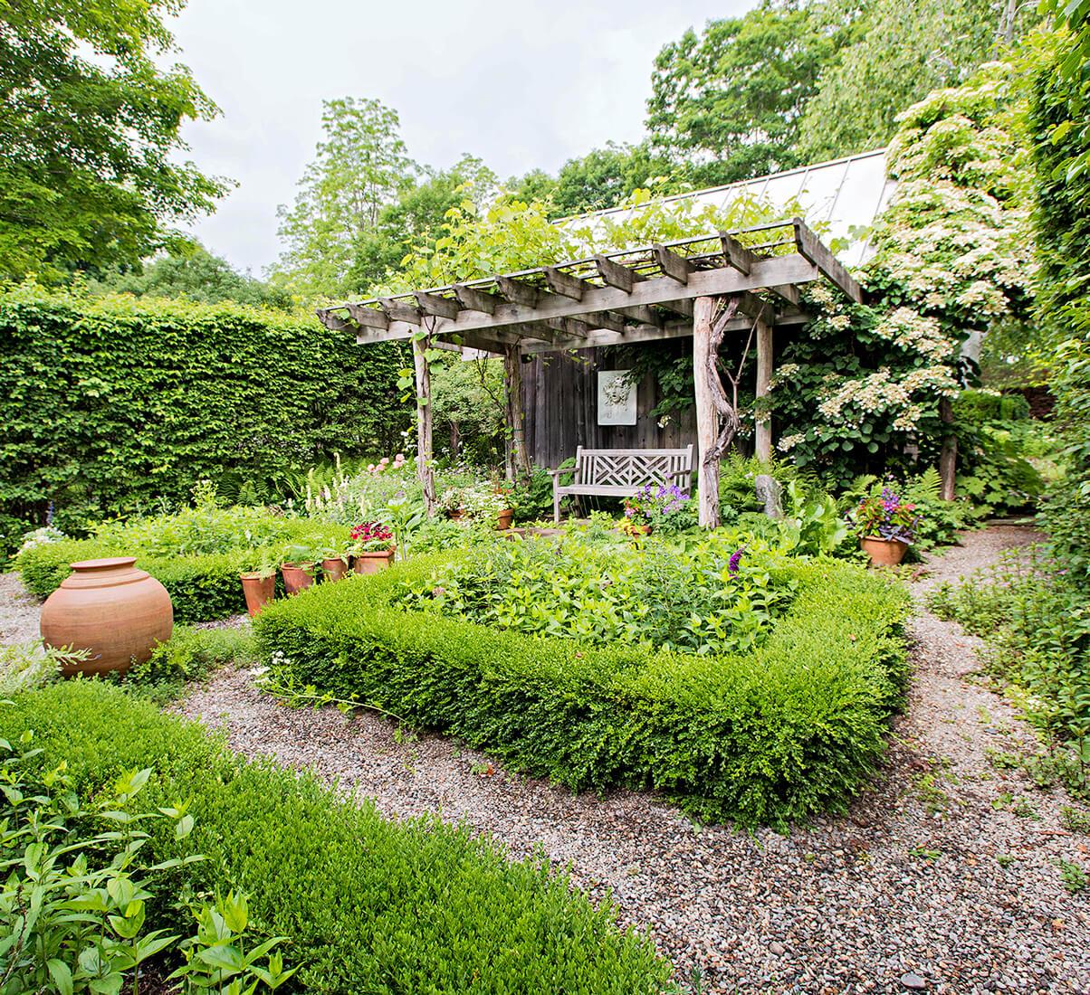 Relaxing gardening ideas