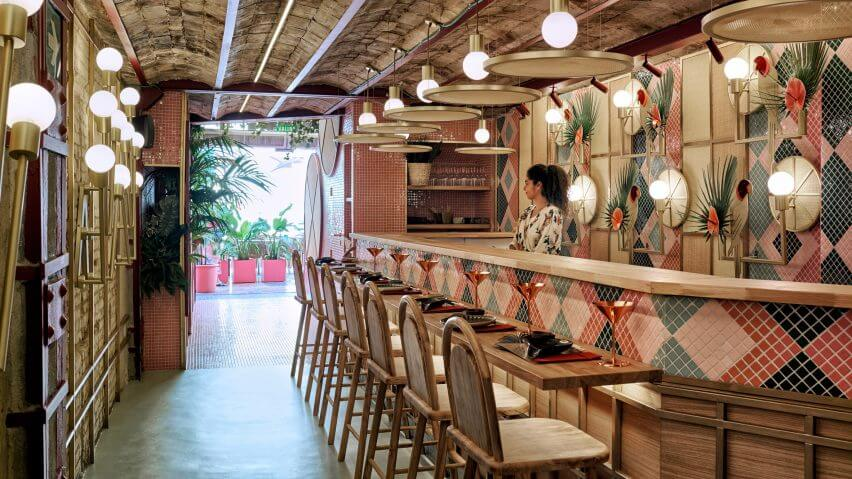 kaikaya-mas-interiors-restaurants-spain-valencia_dezeen_hero-2-852x479