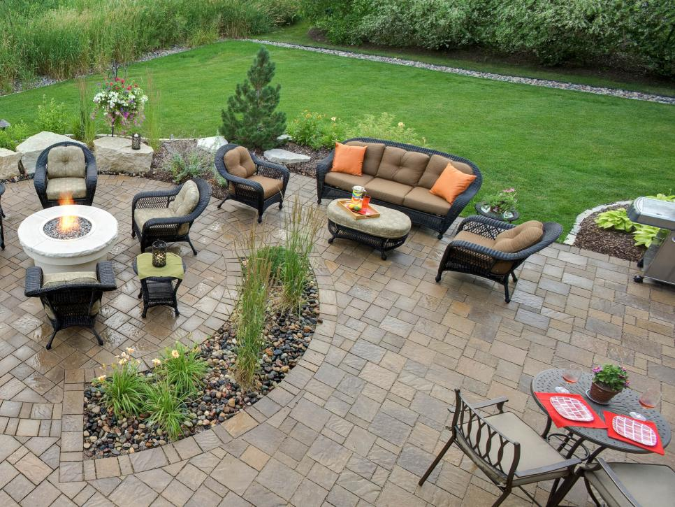 porch design with pavers