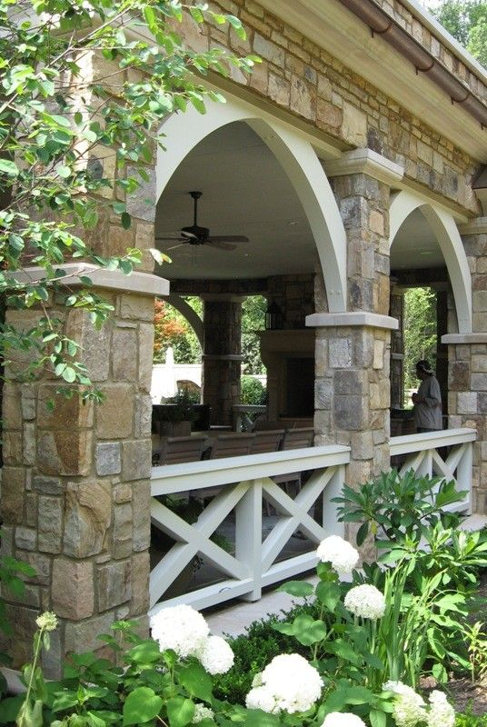 dramatic arch style front porch decorating ideas