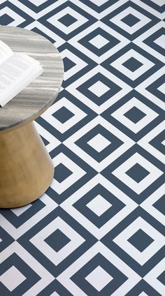 lay graphic floor tiles front porch decorating ideas