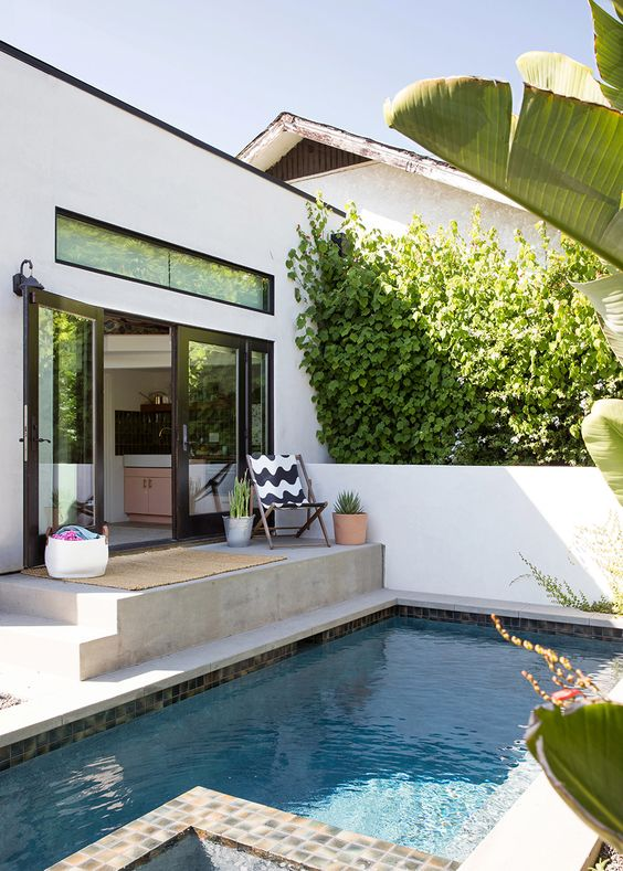 mini pool front porch decorating ideas