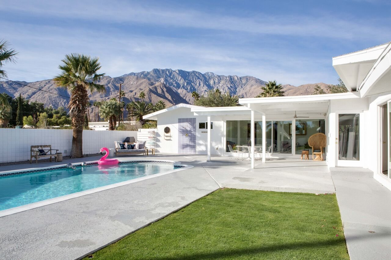 pool house for summer vacation