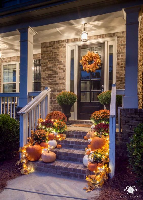 pumkin and corn knobs front porch decorating ideas