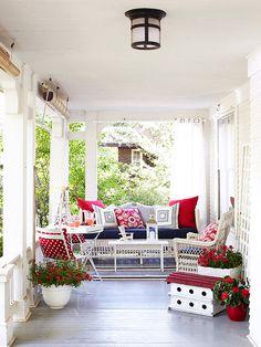 spotlight motif front porch decorating ideas