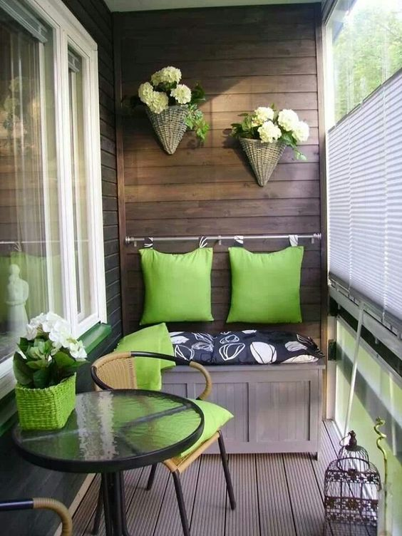 spruce up the walls front porch decorating ideas