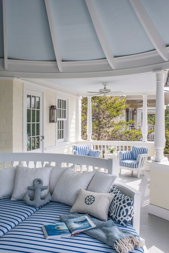 stick to a theme front porch decorating ideas