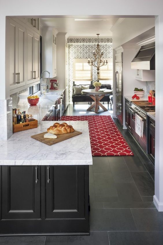 patterned accents for kitchen counter