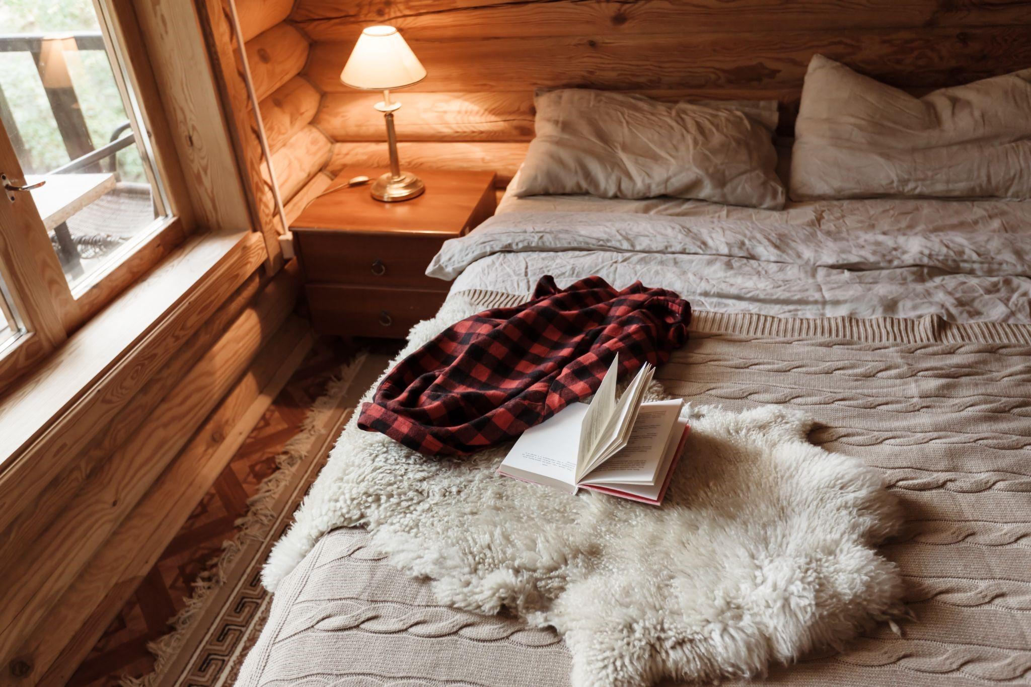 fabtics for rustic bedroom design