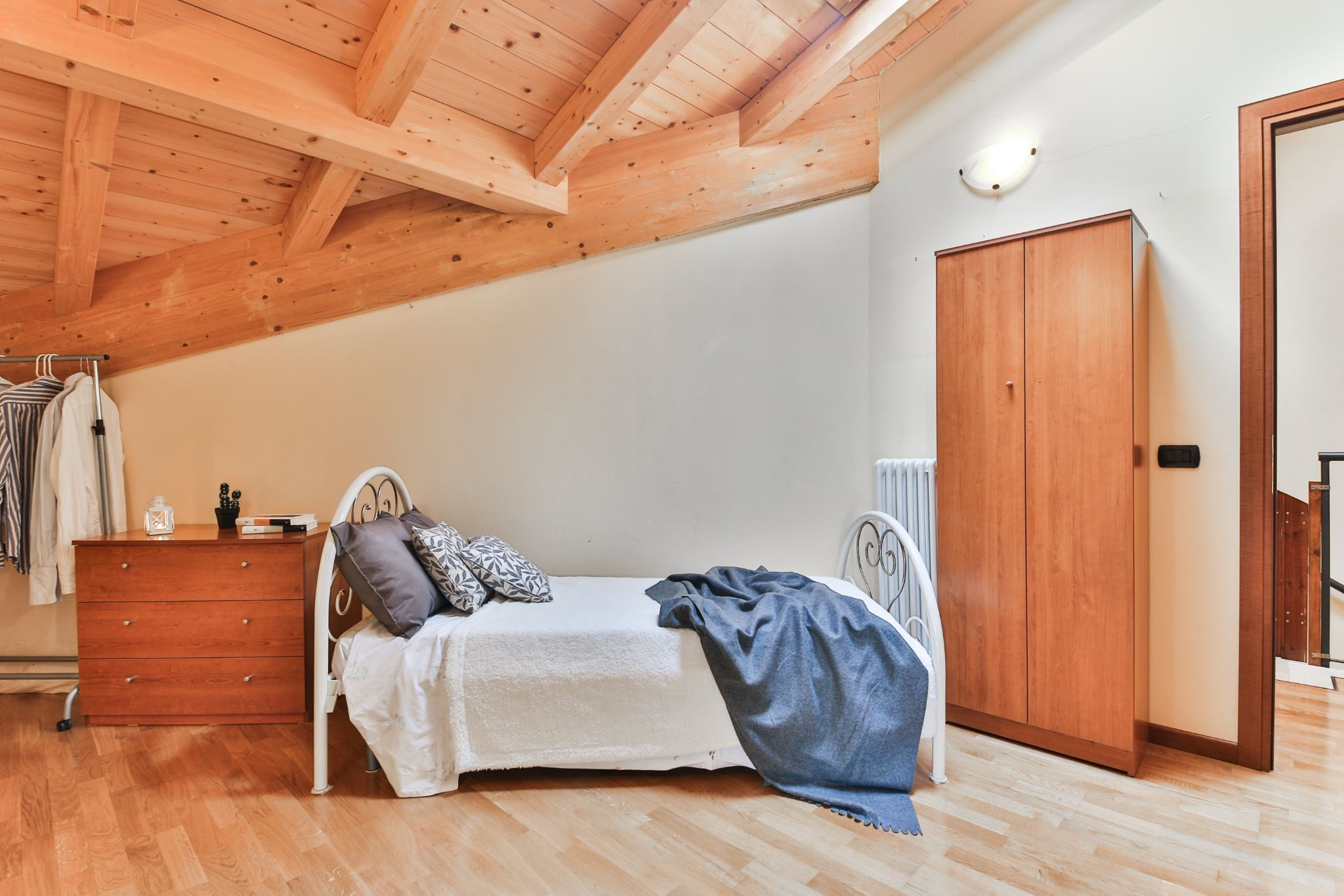 wooden rustic bedroom