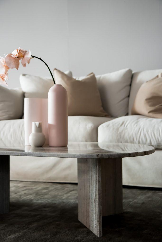 arranging accessories to avoid interior design mistakes
