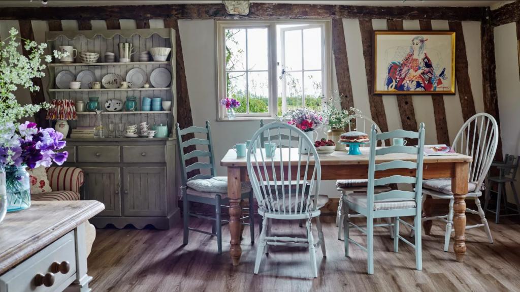 cottagecore interior design for dining room